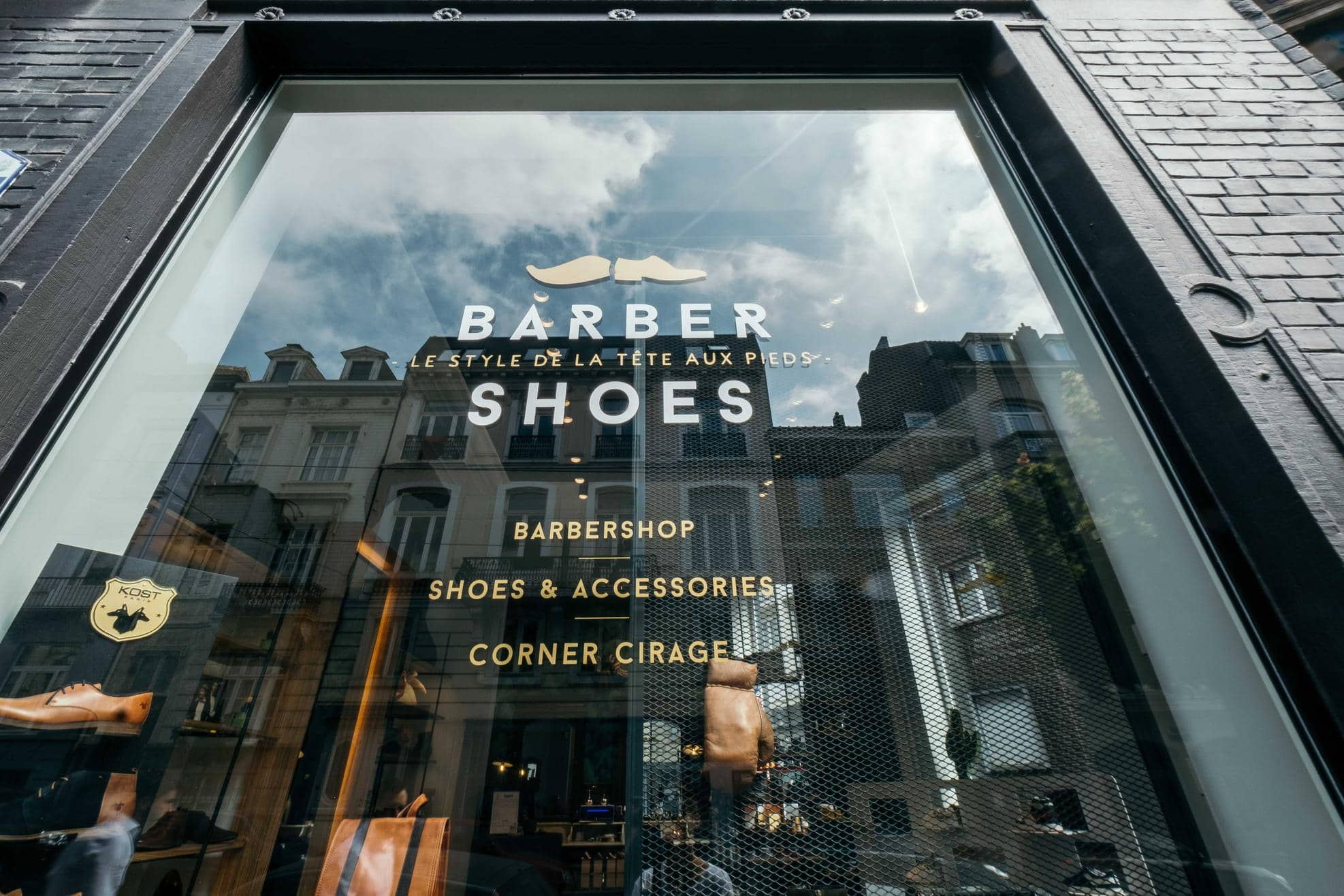 Chaussures Magasin À Shoes Barber Barbier De Tx5af1 Bruxelles Coiffeur CBdoQxerW